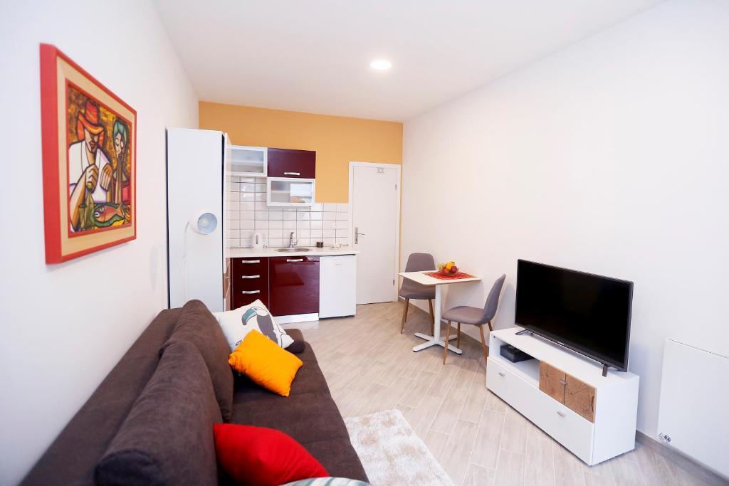 bdac587bf3caa Valentino Apartments in Zagreb - Room Deals, Photos & Reviews