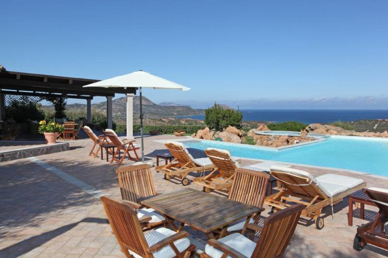 Olbia Villa Sleeps 14 Pool Air Con WiFi bild7