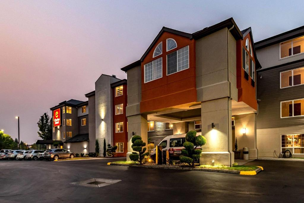 Clarion Hotels Near me
