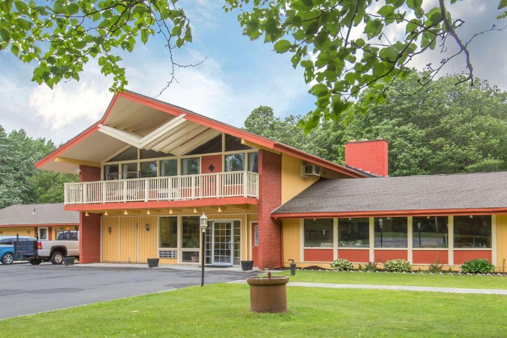 Econo Lodge Manchester Center