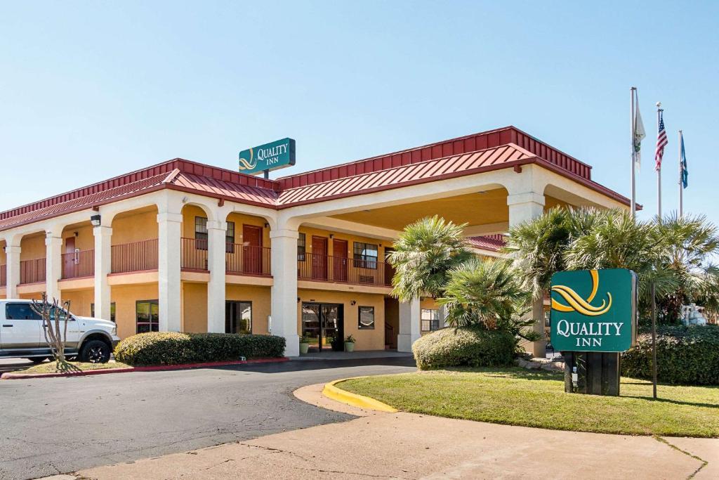 Quality Inn near Casinos and Convention Center