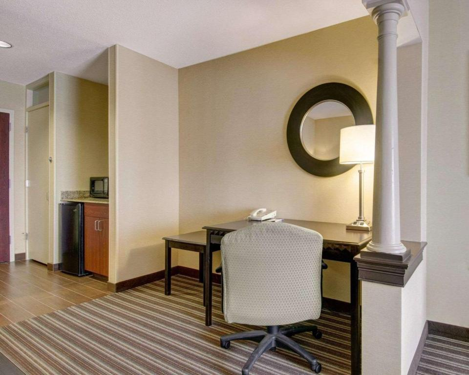 Comfort Inn Boston/Woburn Photo #6