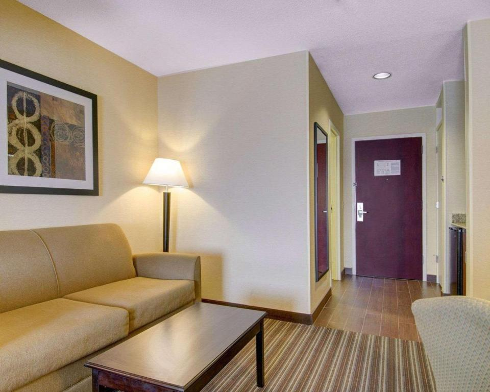 Comfort Inn Boston/Woburn Photo #9