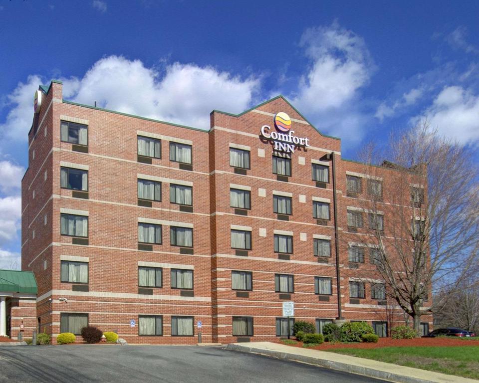 Comfort Inn Boston/Woburn Photo #0