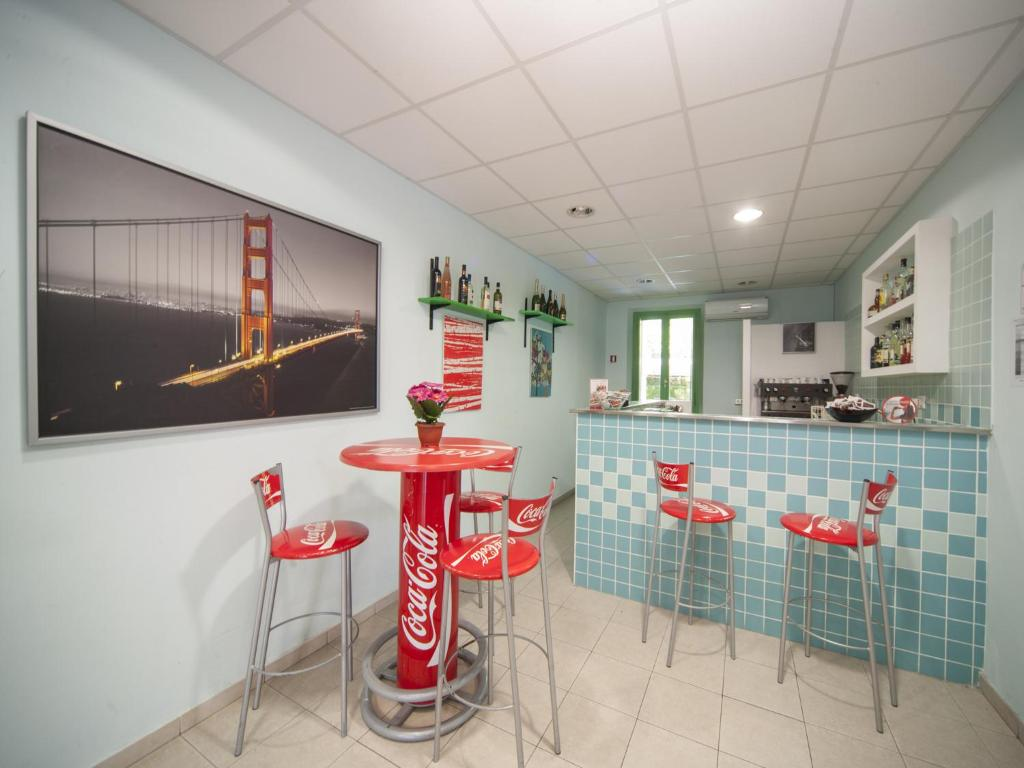 Hotel colombo riccione prenotazione on line viamichelin for Bagno 68 riccione
