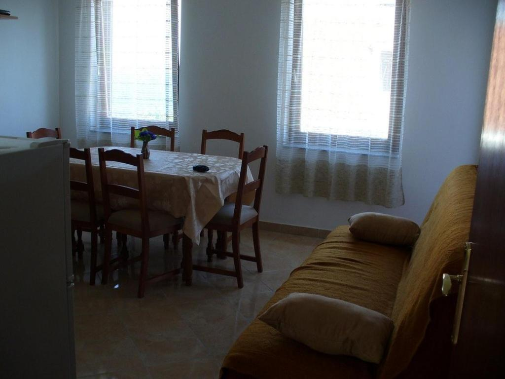 Apartment in Kali with Sea View, Terrace, Air Conditioner, Wi-Fi (4575-4)