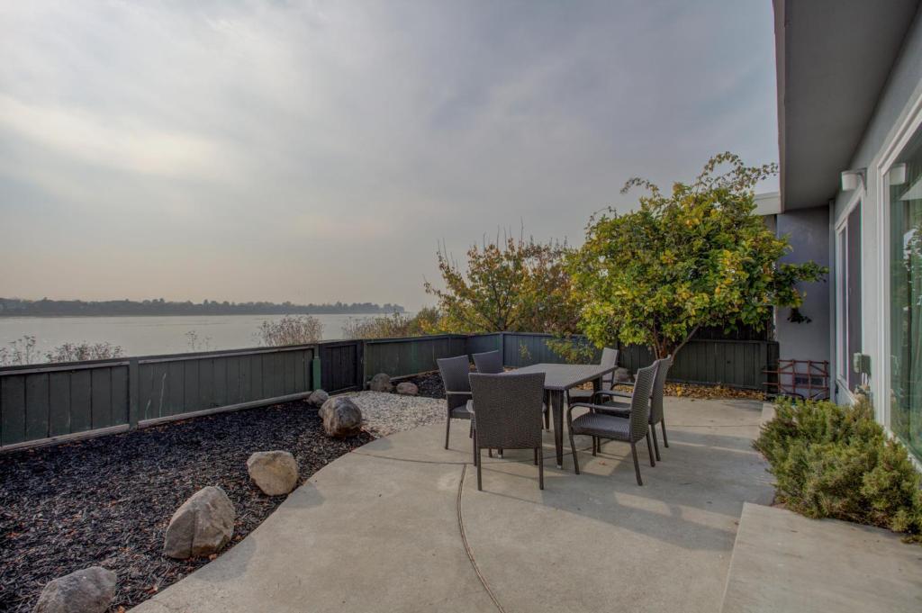 Bird Paradise Serene Bayview Home In East Alameda Home San