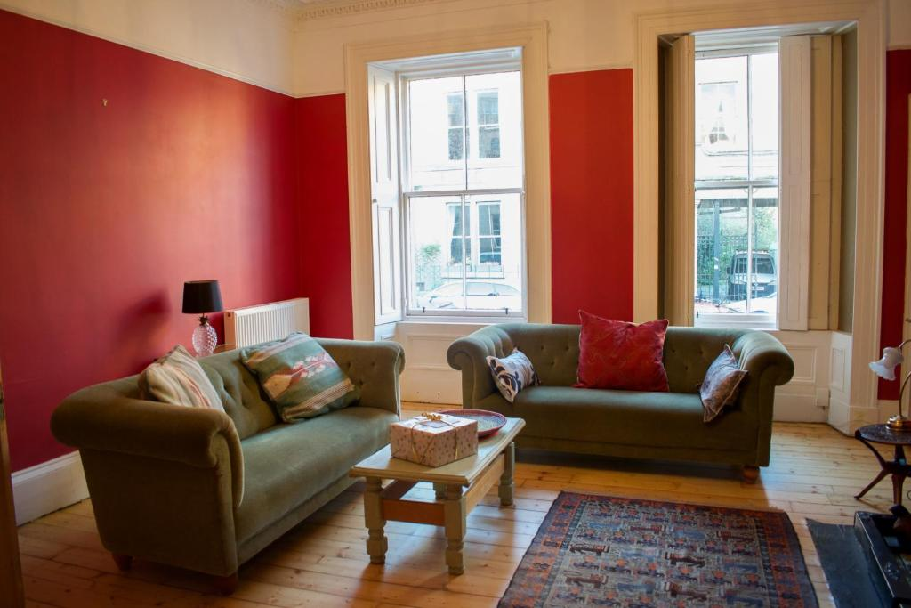 2 Bedroom Apartment in Traditional Tenement