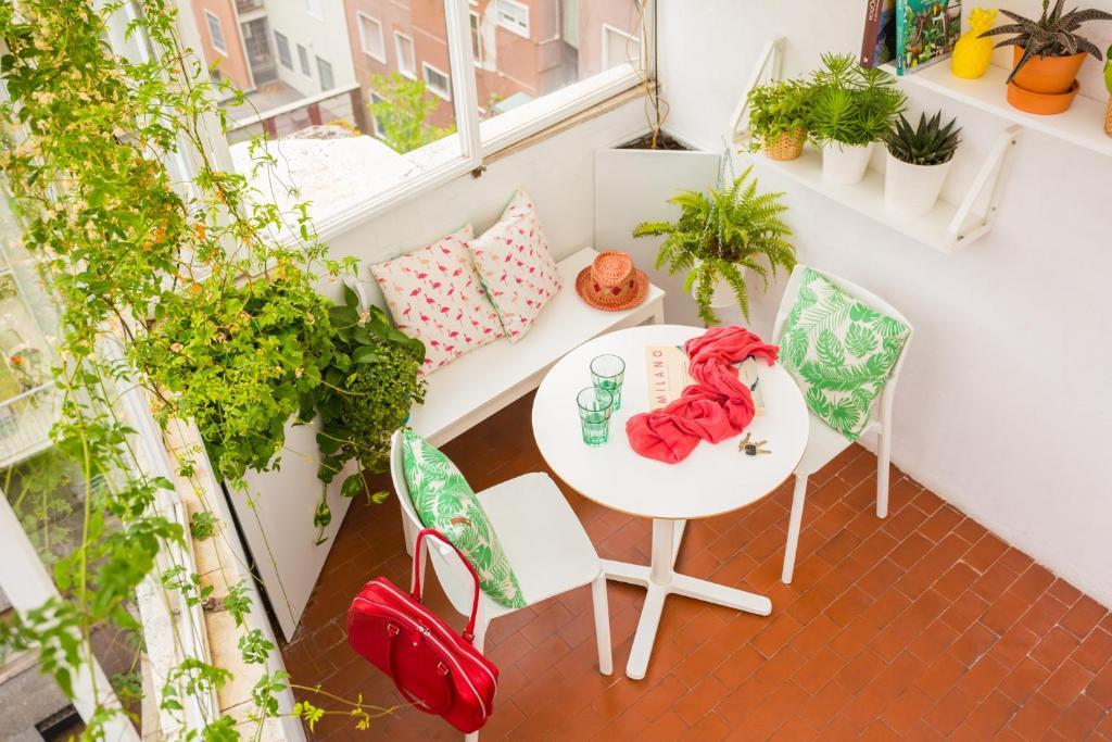 Duomo Views, Light, Jungle-inspired Studio with Terrace