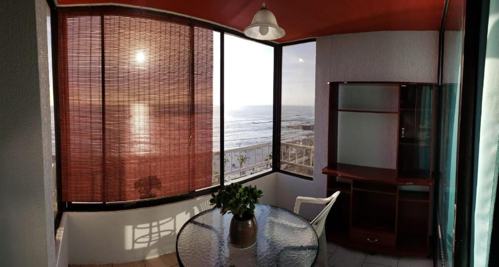Apartament z widokiem na morze Lindo dpto frente playa cavancha (50 mts)