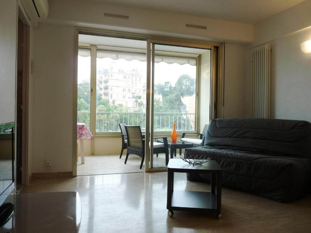 Cannes Apartment Sleeps 3 Air Con WiFi