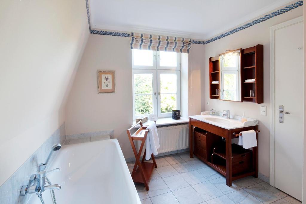 hotel ole liese l tjenburg informationen und buchungen online viamichelin. Black Bedroom Furniture Sets. Home Design Ideas