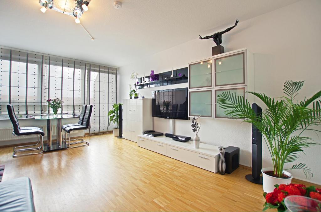 CONZEPTplus Private Apartments Exhibition Center (room agency)