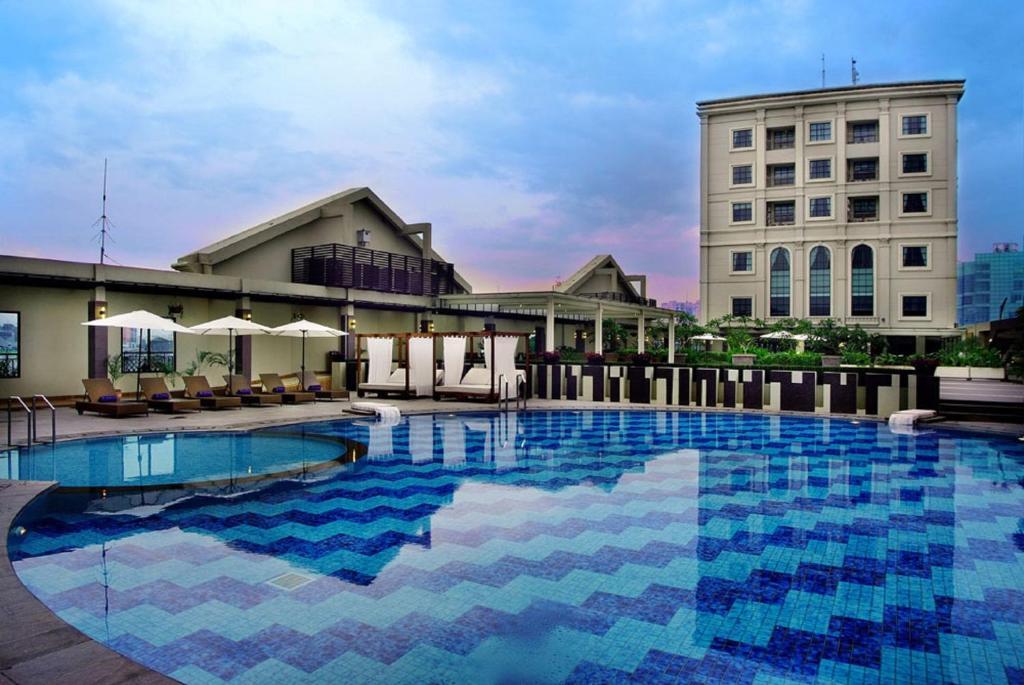 Grand City Hall Hotel & Serviced Residences