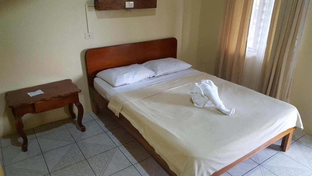 Double Room with King size Bed and Fan Hotel Destinos Arenal