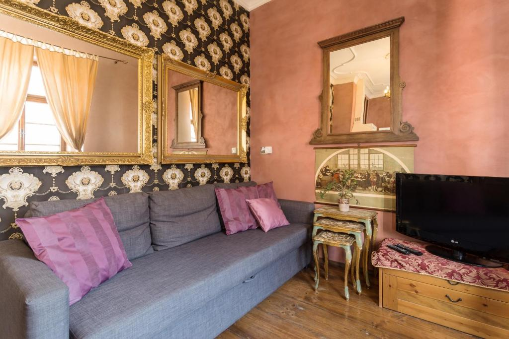Апартаменти з 1 спальнею Original Old Prague apartment with parking