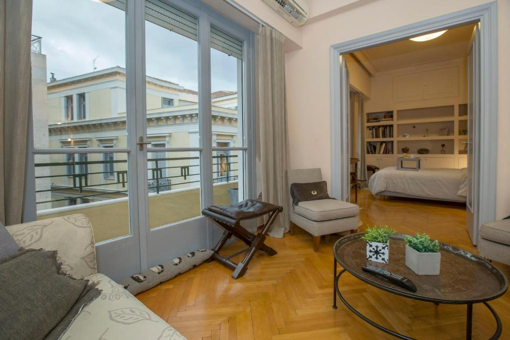Downtown, classic apartment in Syntagma by GHH, 10563 Athen