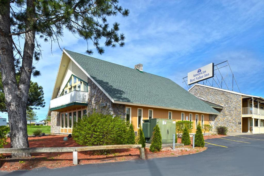 Americas Best Value Inn Plattsburgh