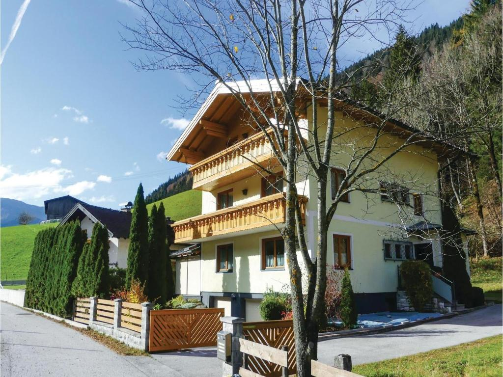 Two-Bedroom Apartment in Annaberg/Lammertal