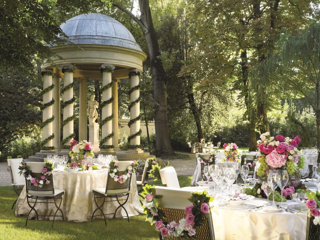 Four Seasons Weddings