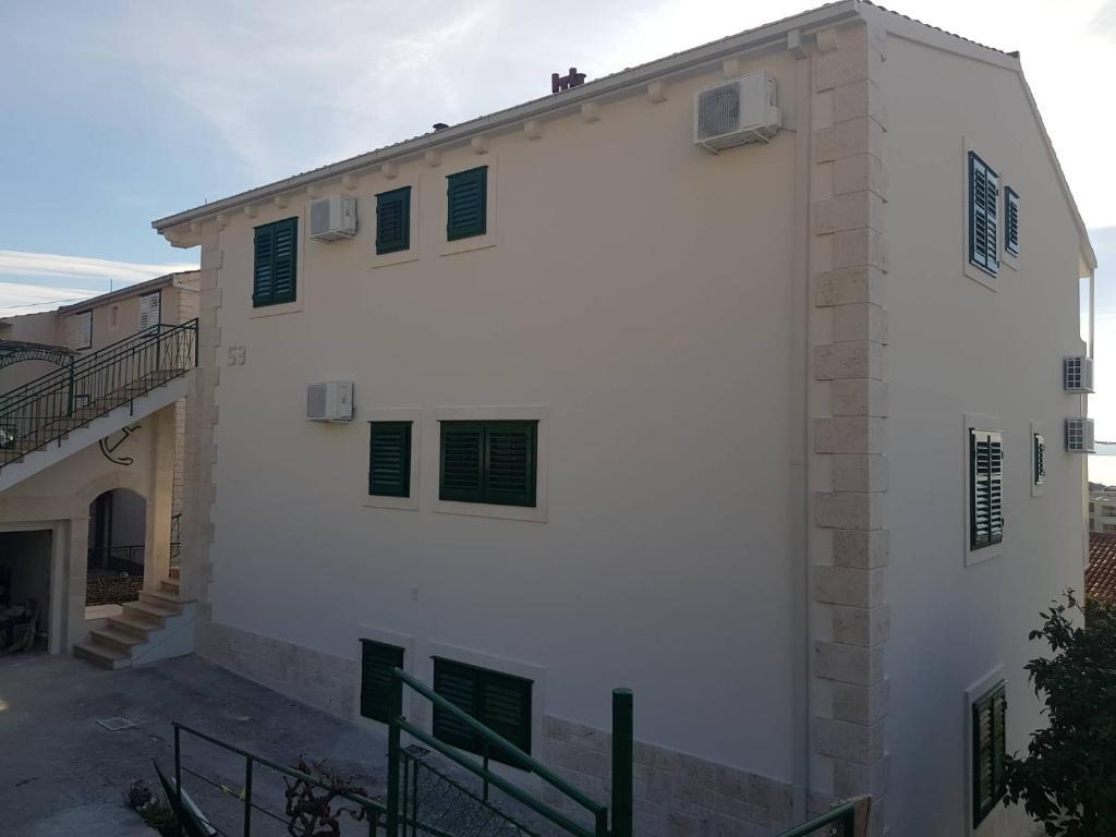 Apartment Villa Mirna