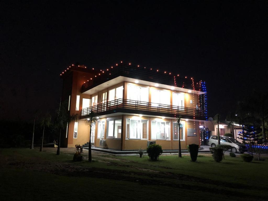 PRAKASH FARMS - Main Villa