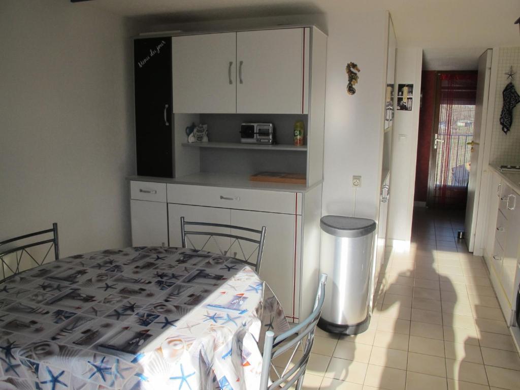 Book Appartement 1 chambre avec Mezzanine balcon garage - 3451734 in ...