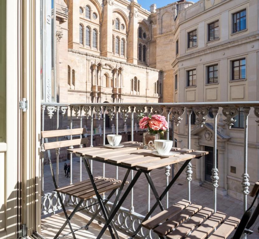 ML1A-Enjoy Breakfast Facing Malaga's Cathedral