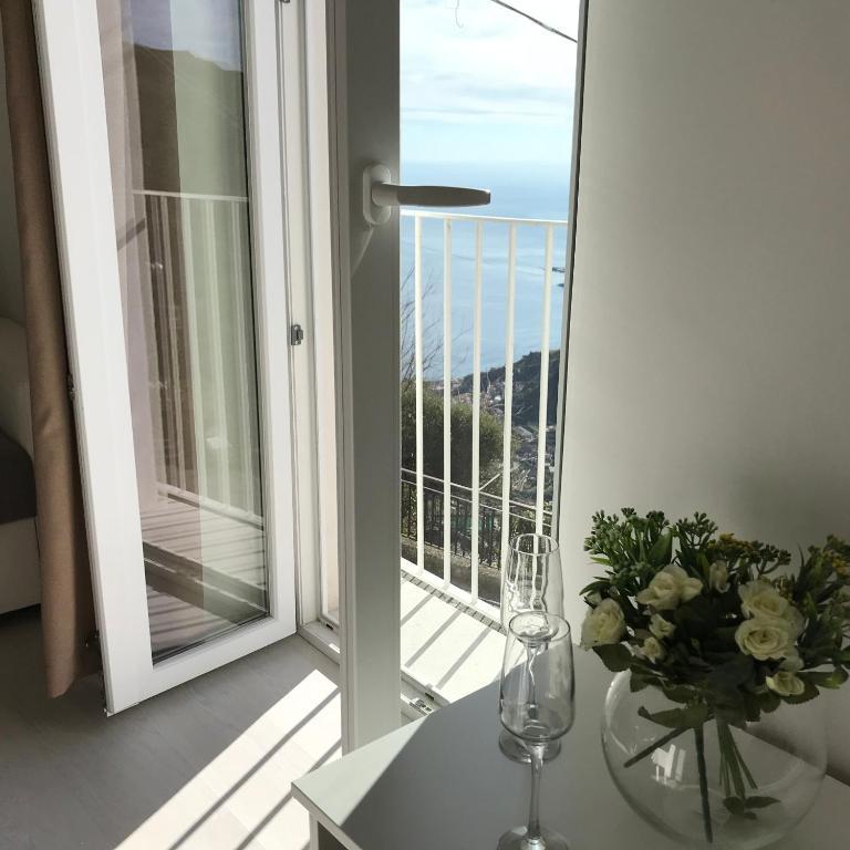 Giorgiada Luxury Apartment In Taormina Italy Wander