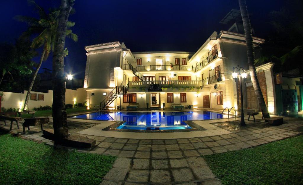 Forever City Hotel, Hotel in Makola North, Sri Lanka   Wander