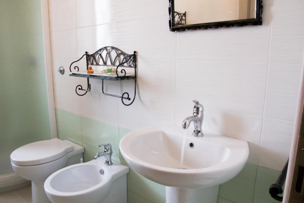 S'eredeu Apartments image3