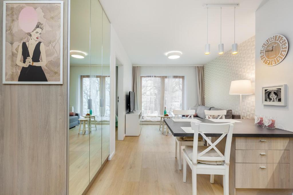 noclegi Gdynia Apartamenty Black&White - Apartament Batory Five