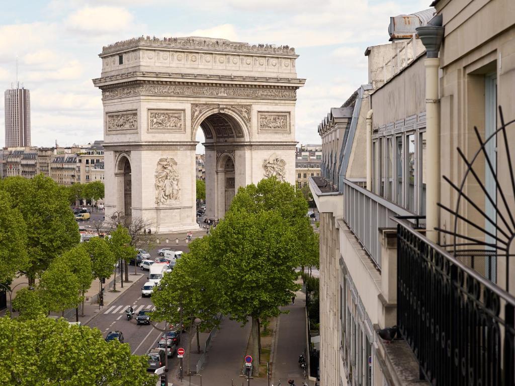 Radisson Blu Hotel Champs Elysees Paris Booking