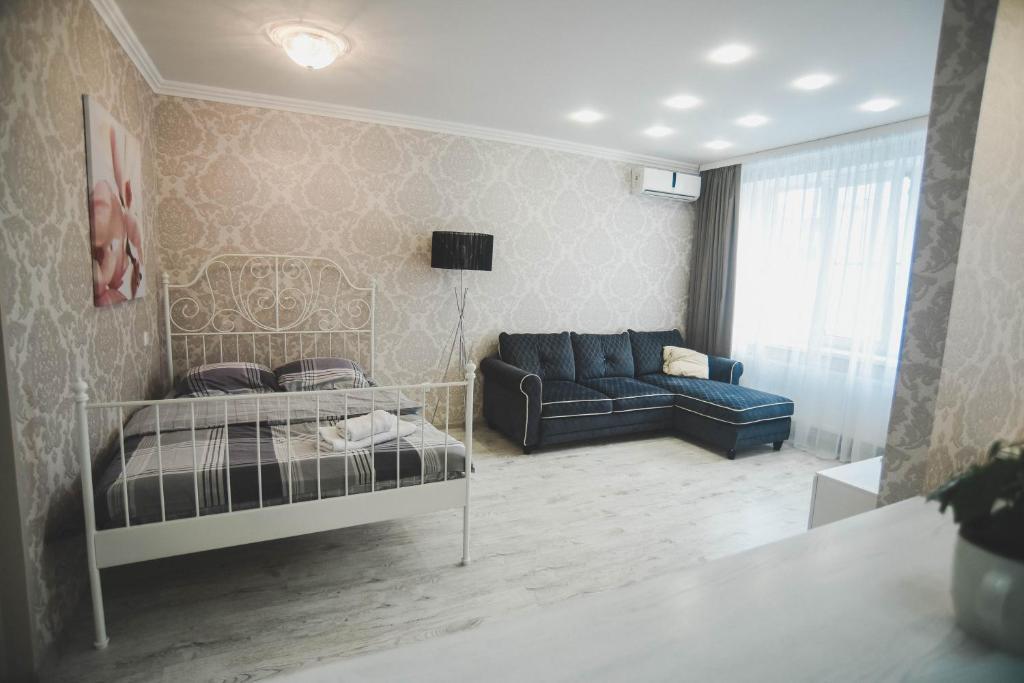 Apartment on Bolshoy Sadovyy Pereulok