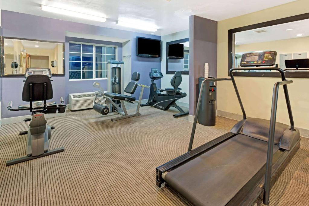 Microtel Inn Gym