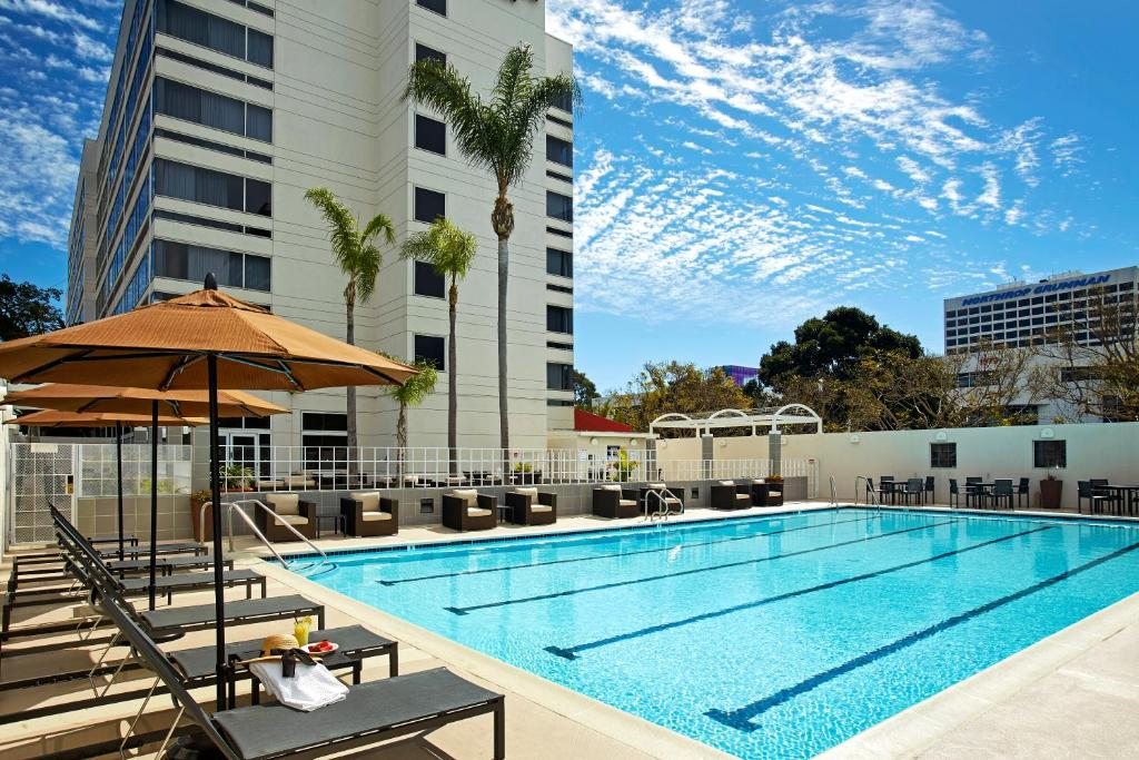 DoubleTree by Hilton LAX - El Segundo Photo #0