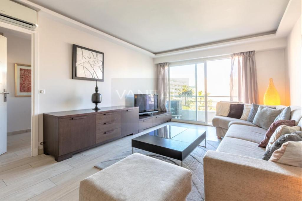 Vaneau - 2 Bedrooms Cannes Palm Beach