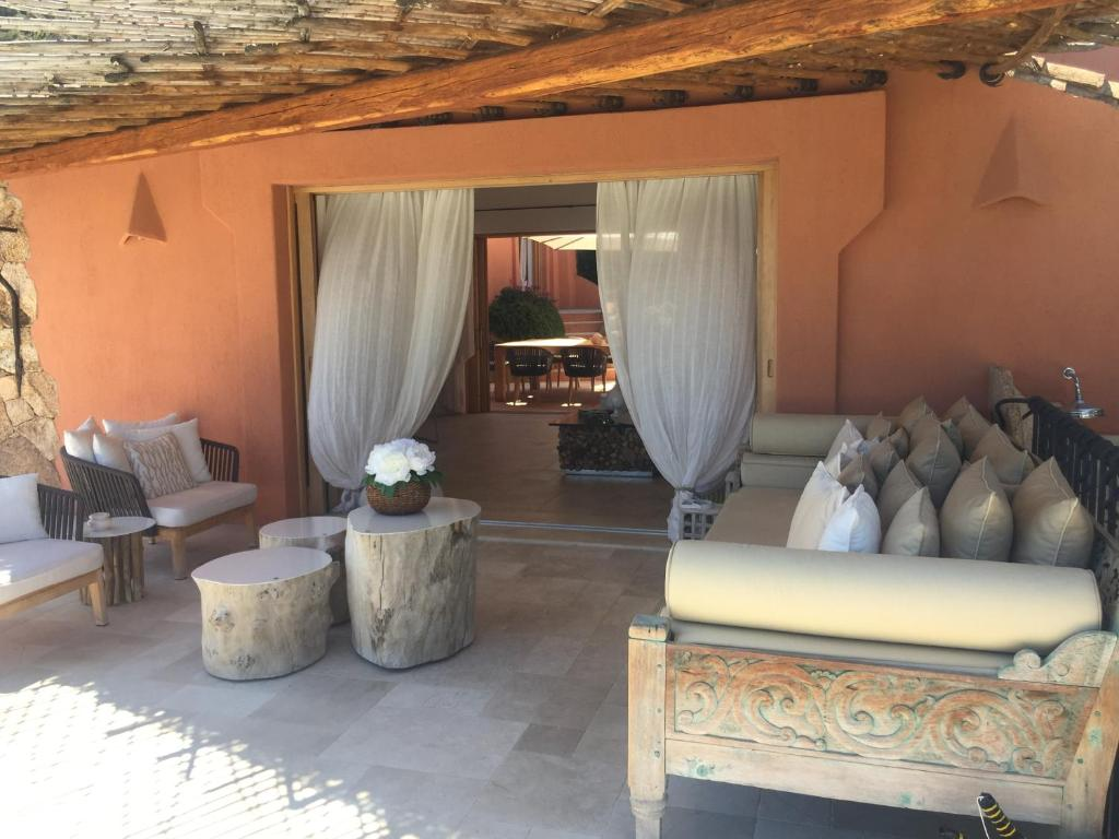 Luxury villa in porto cervo img4