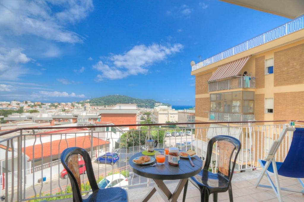 Gaeta - Serapo Panoramic Apartment with Parking 130mq