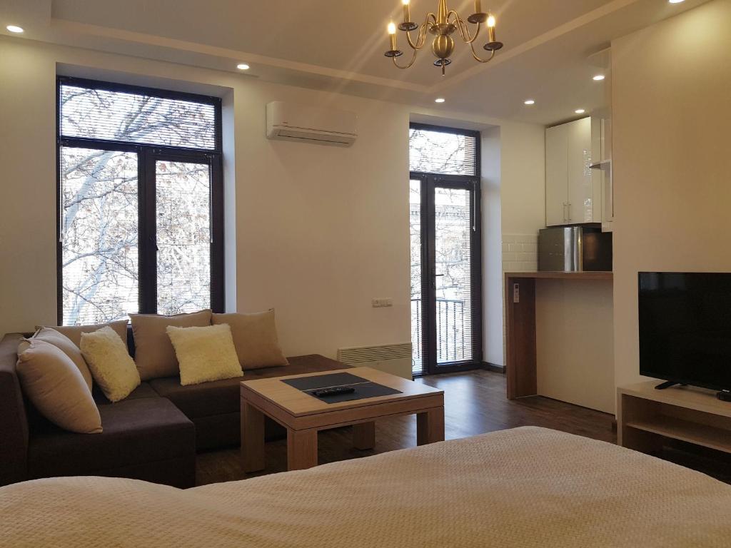 Cascade White Luxury