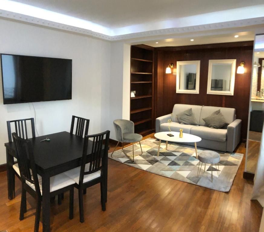 Cosy Apartment - Triangle D'or