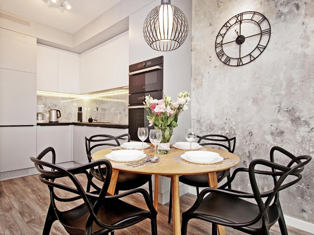 noclegi Gdańsk Luxusowy apartament basen, jacuzzi, sala fitnes stare miasto