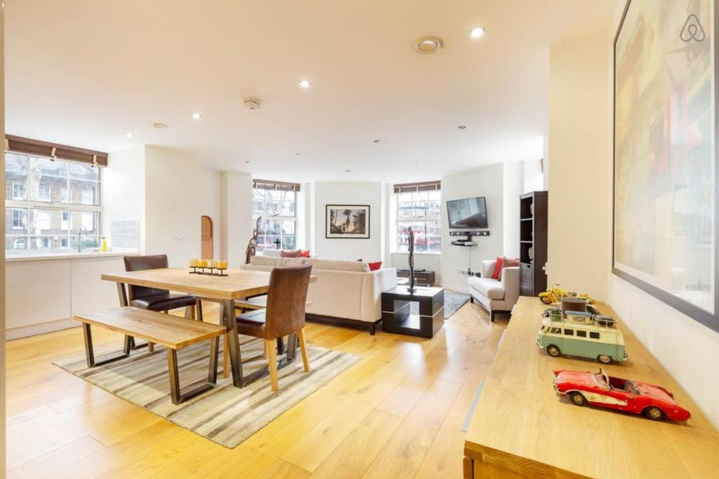 Stunning 2-Bed w/ Outstanding Design in Kennington