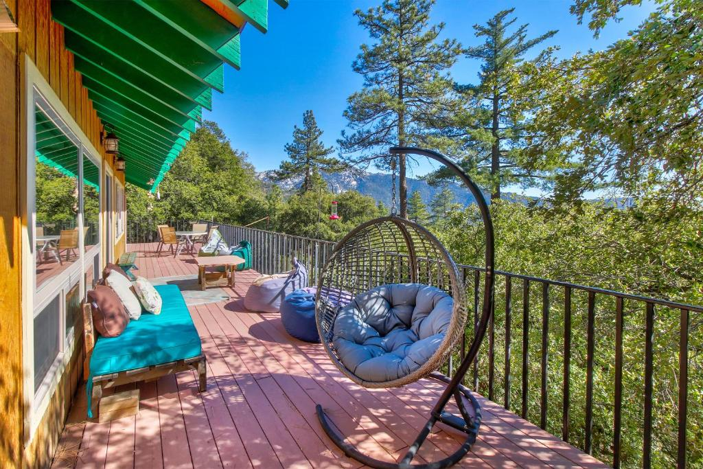 Lucky's Treehouse in Idyllwild (CA) - reviews, prices