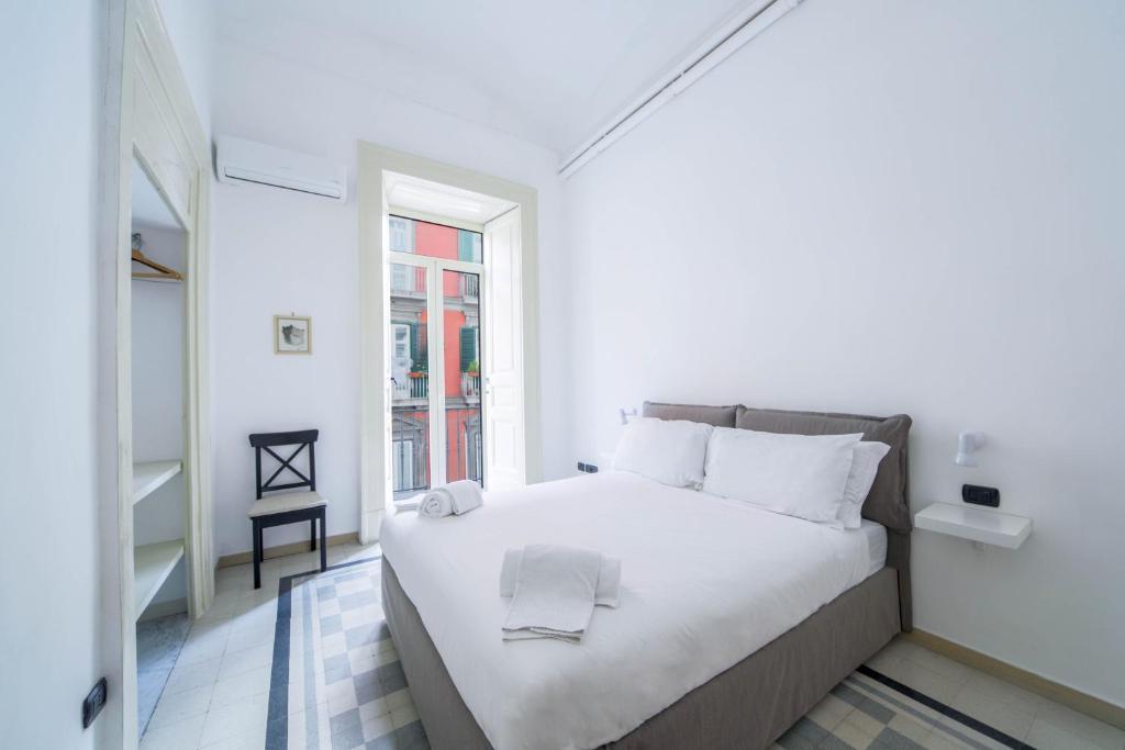 Casa Dante - Historic apartment in the perfect Naples location