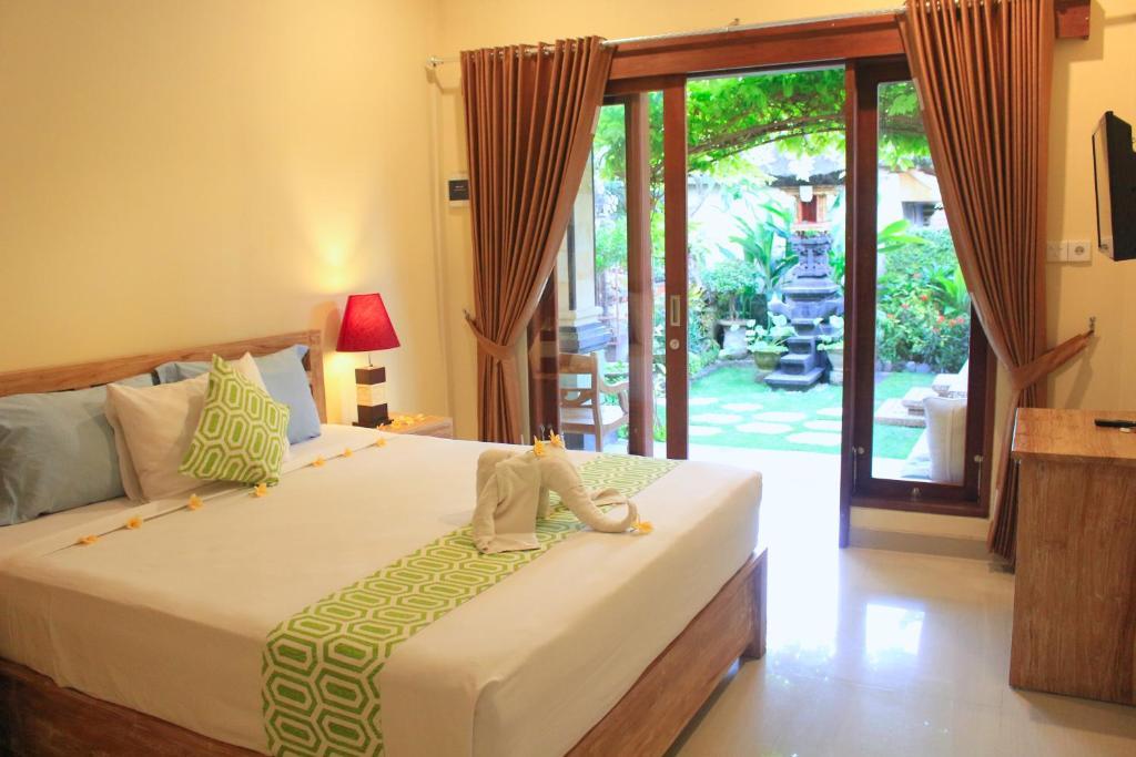 CR Tris Rooms Seminyak
