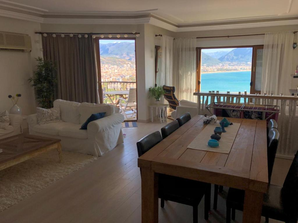 Apartamento de 3 dormitorios summer Apartment with sea view