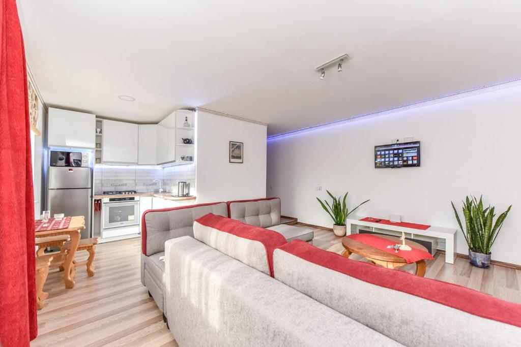 NeriesApartment No.2 Bedrooms Modern Suite In Centrum