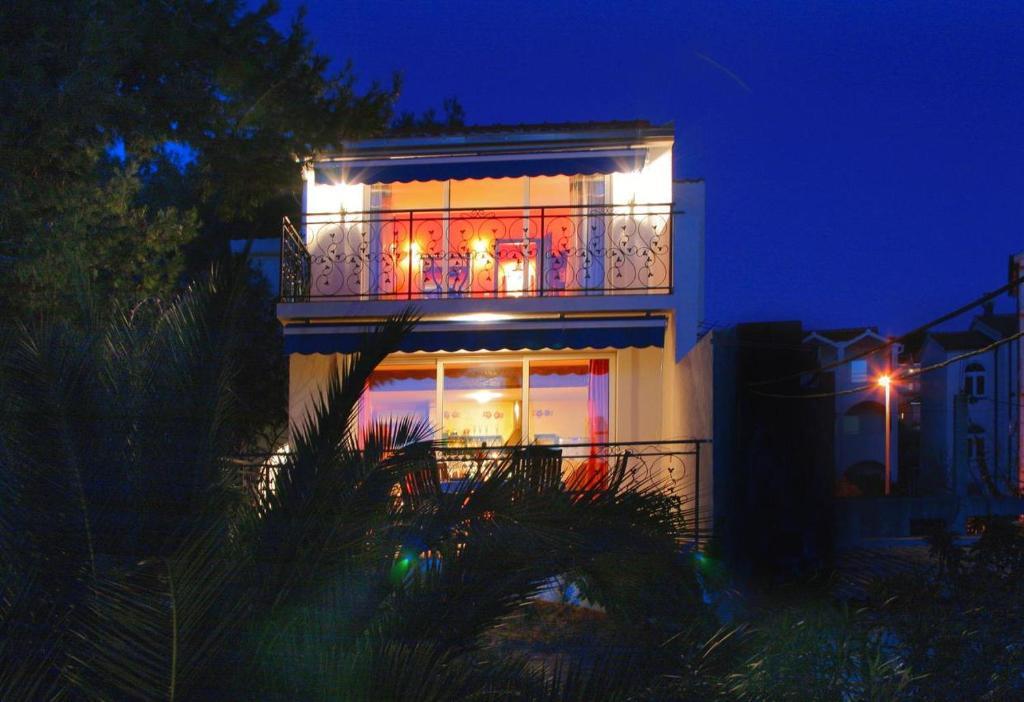 Seaside holiday house Okrug Gornji, Ciovo - 8645
