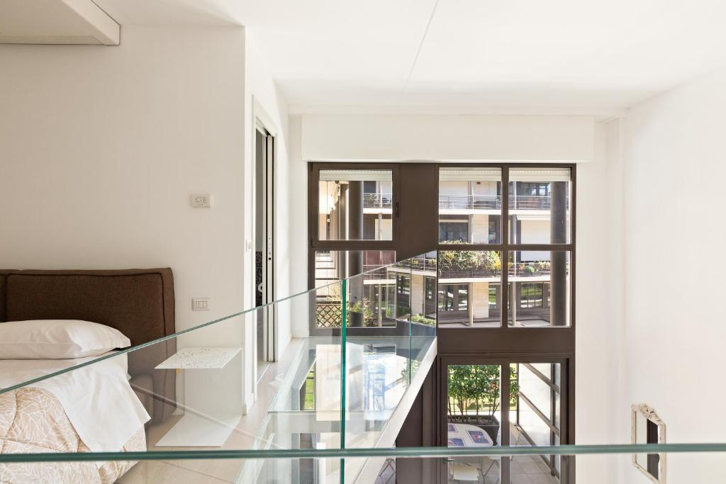Elegant Loft with Balcony!